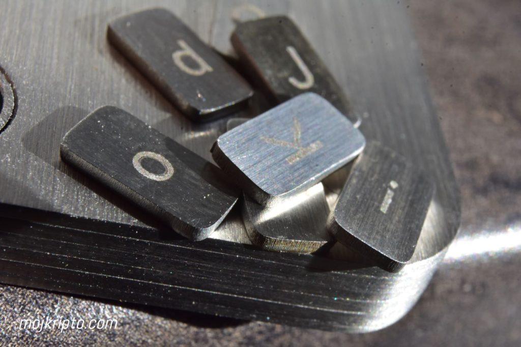 Billfodl pločice sa znakovima